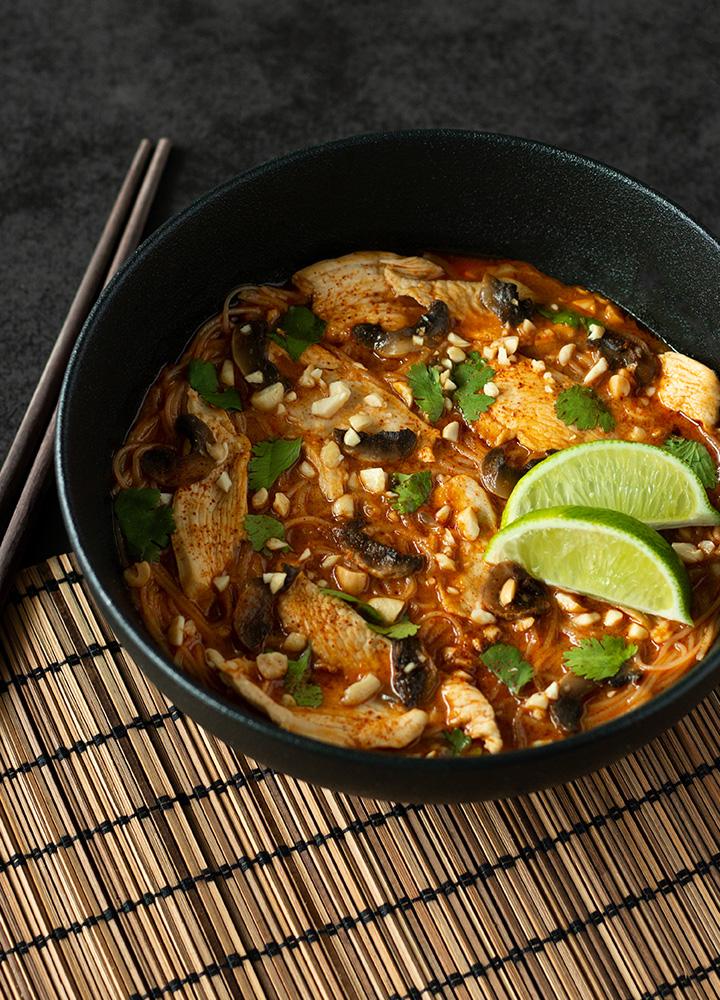 Bouillon thaï au poulet